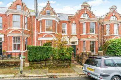 5 Bedrooms Terraced House for sale in Mannamead, Plymouth, Devon