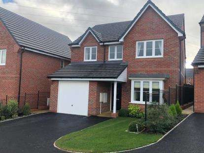 4 Bedrooms Detached House for sale in Fernilee Close, Stoke-on-Trent, Staffordshire