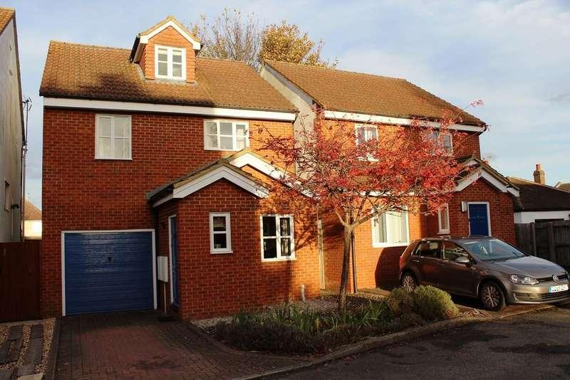 4 Bedrooms Detached House for sale in Roman Lane, Baldock, SG7