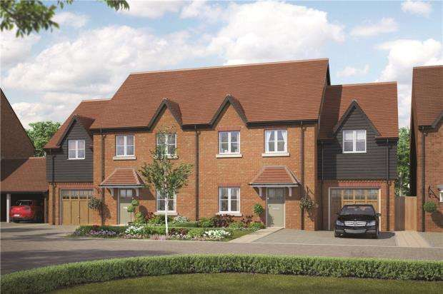 4 Bedrooms Semi Detached House for sale in Woodhurst Park, Warfield, Berkshire