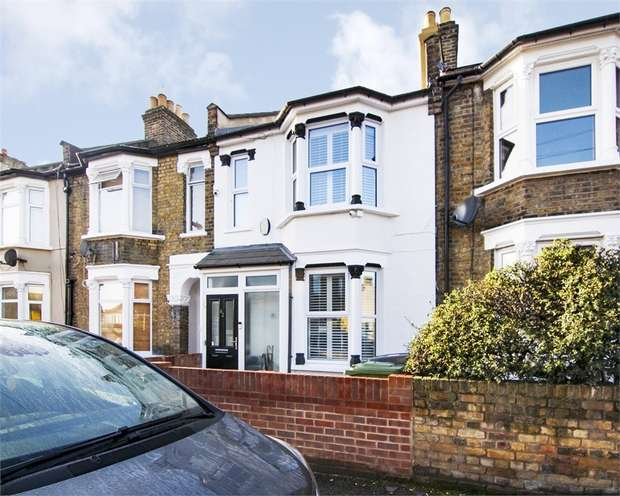 4 Bedrooms Terraced House for sale in Edinburgh Road, Walthamstow, London