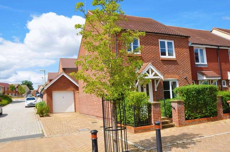 3 Bedrooms Property for sale in Augusta Way Central, Andover