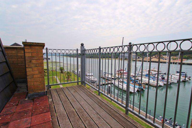3 Bedrooms Apartment Flat for sale in East Cowes Marina