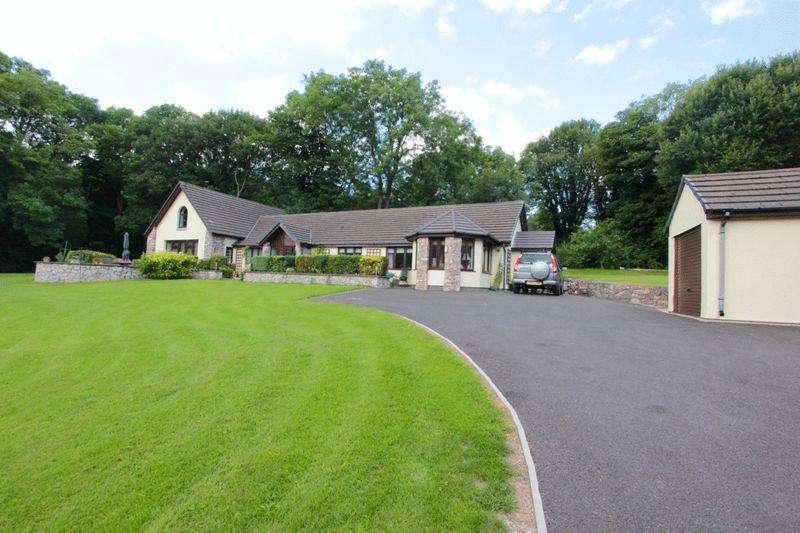 4 Bedrooms Detached House for sale in Denbigh Road, Afonwen