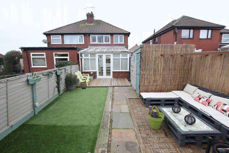 2 Bedrooms Semi Detached House for sale in Willows Lane, Firgrove, Rochdale OL16 4BQ