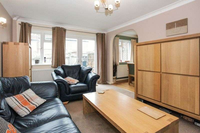 3 Bedrooms Property for sale in Bedder Road, High Wycombe