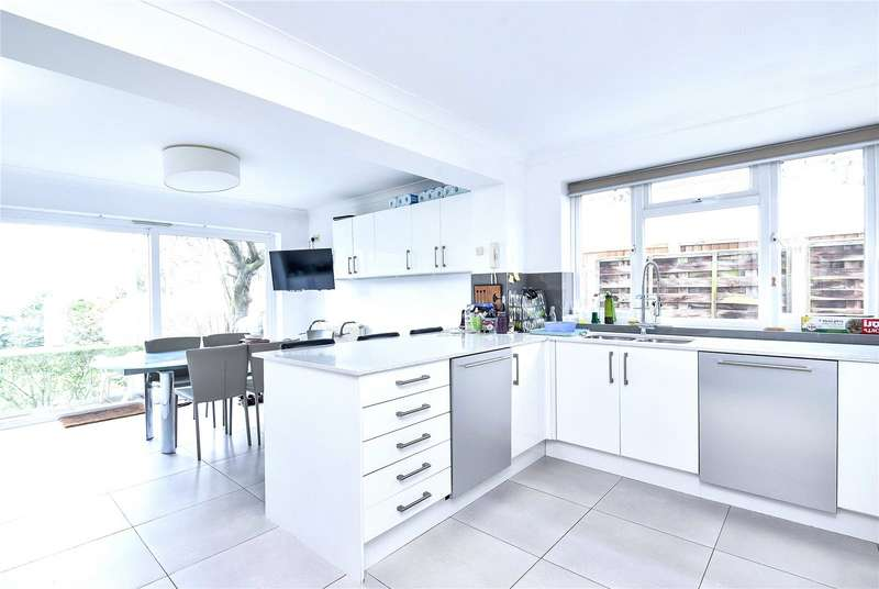 5 Bedrooms Property for sale in Rathgar Close Finchley London