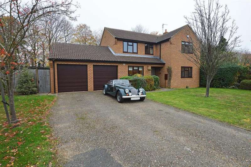 4 Bedrooms Detached House for sale in Hall Lane, Werrington, Peterborough