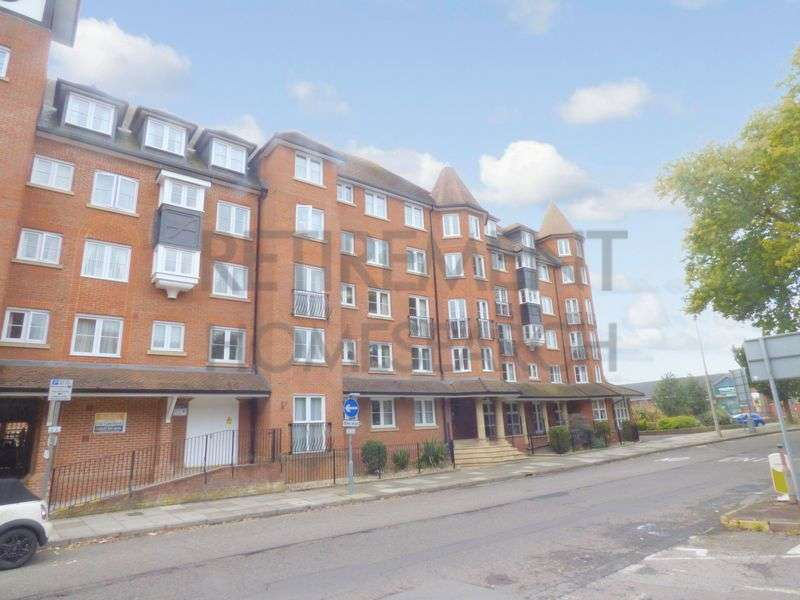 1 Bedroom Property for sale in Castlemeads Court, Gloucester, GL1 2PA