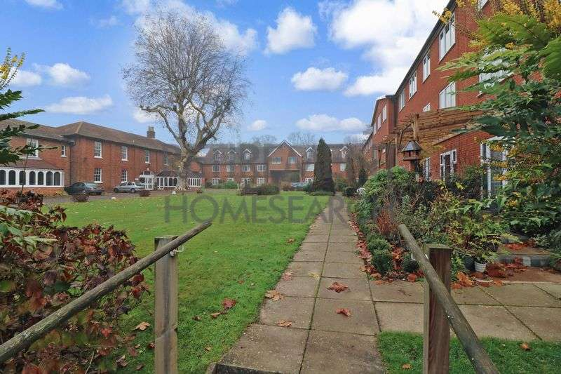 1 Bedroom Property for sale in Chapel Road, Ashford