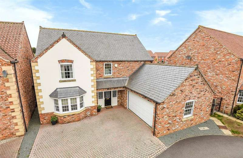 5 Bedrooms Detached House for sale in Coachmans Court, Great Gonerby, NG31