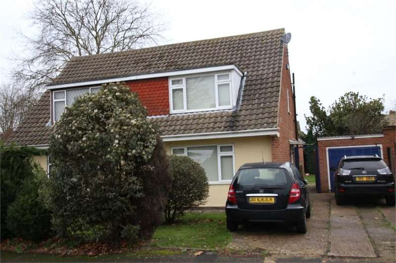 3 Bedrooms Semi Detached House for sale in Hinksey Close, Langley, Berkshire