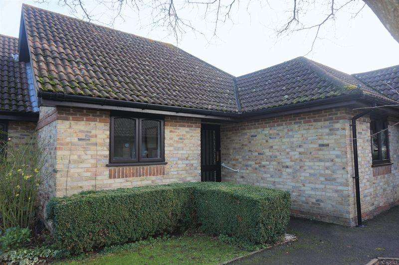 2 Bedrooms Bungalow for sale in The Maltings, Thatcham