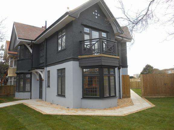 4 Bedrooms Detached House for sale in Southbourne, Bournemouth