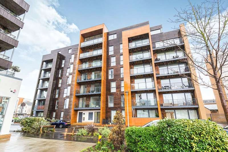 2 Bedrooms Flat for sale in Newfoundland Way, Portishead, Bristol, BS20