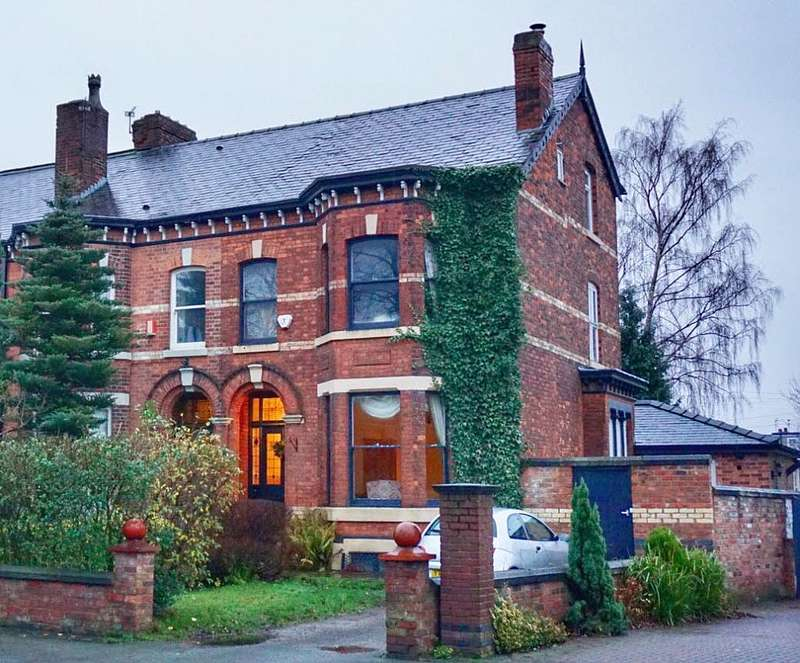 4 Bedrooms End Of Terrace House for sale in Worsley Road, Swinton, Manchester, Greater Manchester, M27 0AG