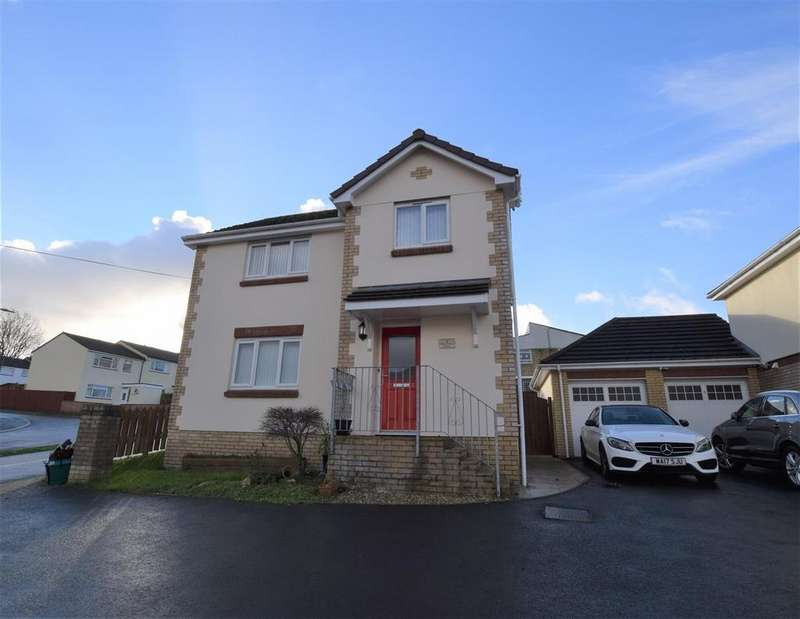 3 Bedrooms Detached House for sale in St. Johns Close, Barnstaple