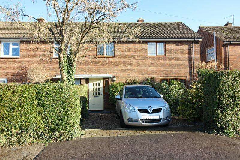 3 Bedrooms Semi Detached House for sale in Generous rear garden, click for more details...
