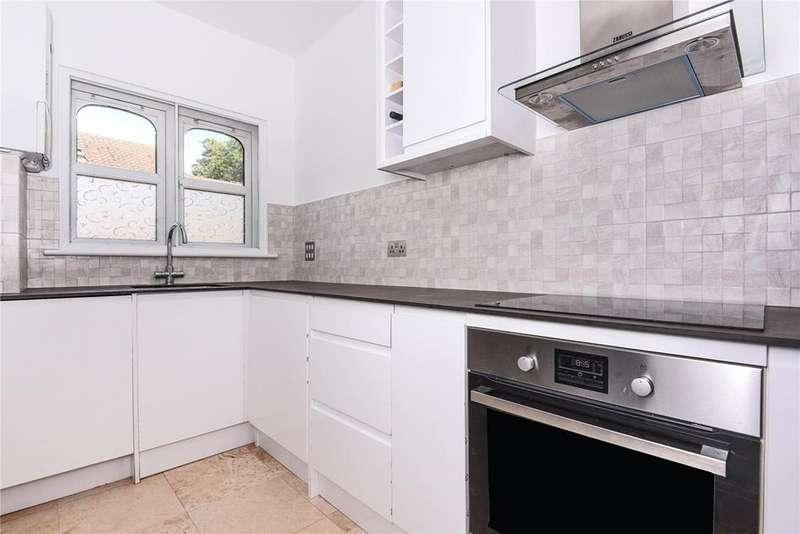 1 Bedroom Flat for sale in Castleview House, Bridgewater Terrace, Windsor, Berkshire, SL4