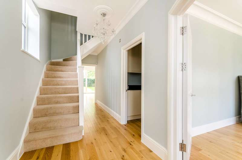 5 Bedrooms House for sale in King Charles Road, Surbiton, KT5
