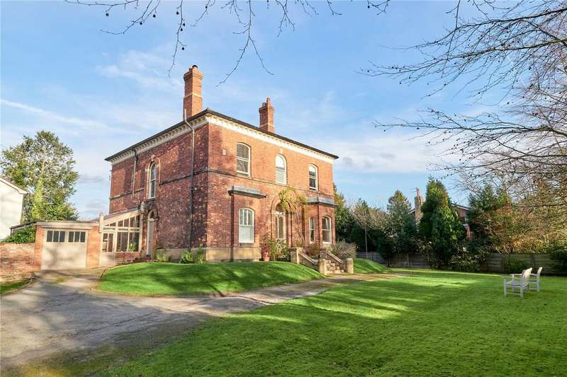 4 Bedrooms Detached House for sale in Holly Road South, Wilmslow, Cheshire, SK9
