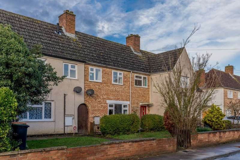 3 Bedrooms Terraced House for sale in Newton Road, Bedford, Bedfordshire MK42 9NA