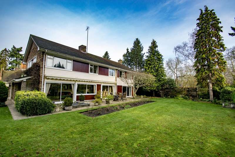 5 Bedrooms Detached House for sale in Manor Road, Goring on Thames, RG8
