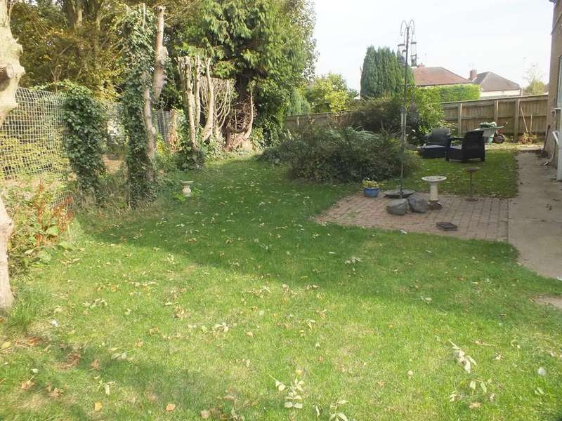 4 Bedrooms Detached House for sale in Abbots Way, Spalding