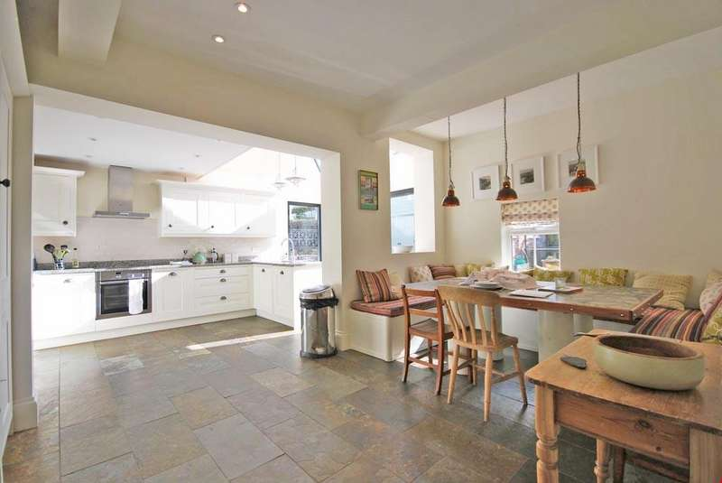 6 Bedrooms Detached House for sale in Trevone, Nr. Padstow, North Cornwall, PL28