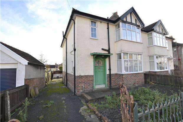 3 Bedrooms Semi Detached House for sale in Rosling Road, Horfield, Bristol, BS7 8SX