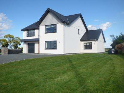 4 Bedrooms Detached House for sale in Capel Coch, Capel Coch, Llangefni, Anglesey, LL77