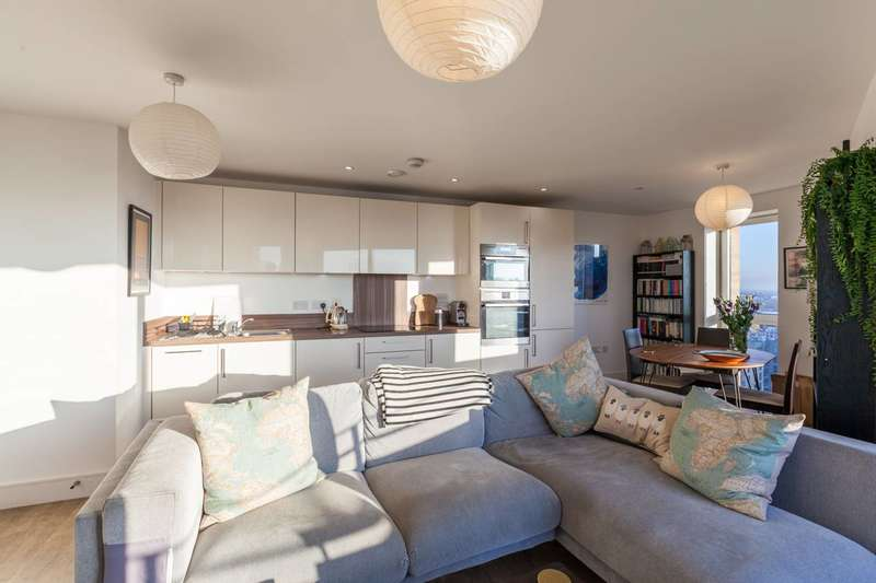 2 Bedrooms Flat for sale in Hannaford Walk, Bow, E3