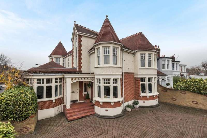 5 Bedrooms Semi Detached House for sale in Fox Lane, Palmers Green