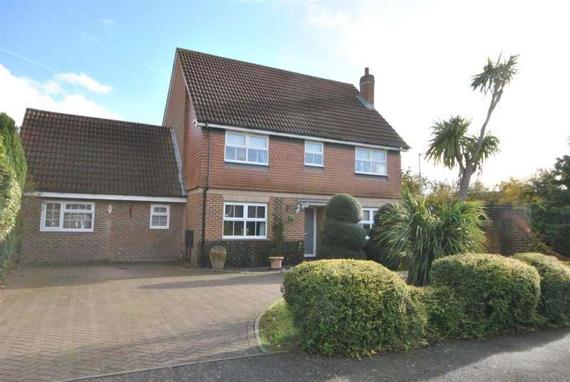 5 Bedrooms Detached House for sale in Shambrook Road, West Cheshunt