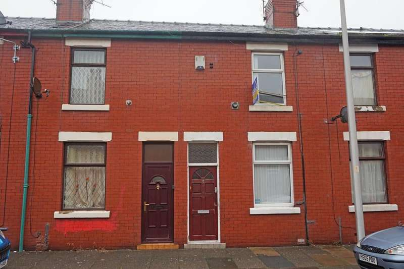 2 Bedrooms Terraced House for sale in Whittaker Avenue Layton