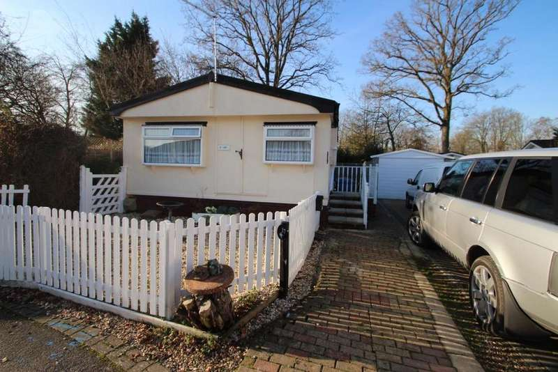 2 Bedrooms Mobile Home for sale in The Elms, Warfield Park, RG42