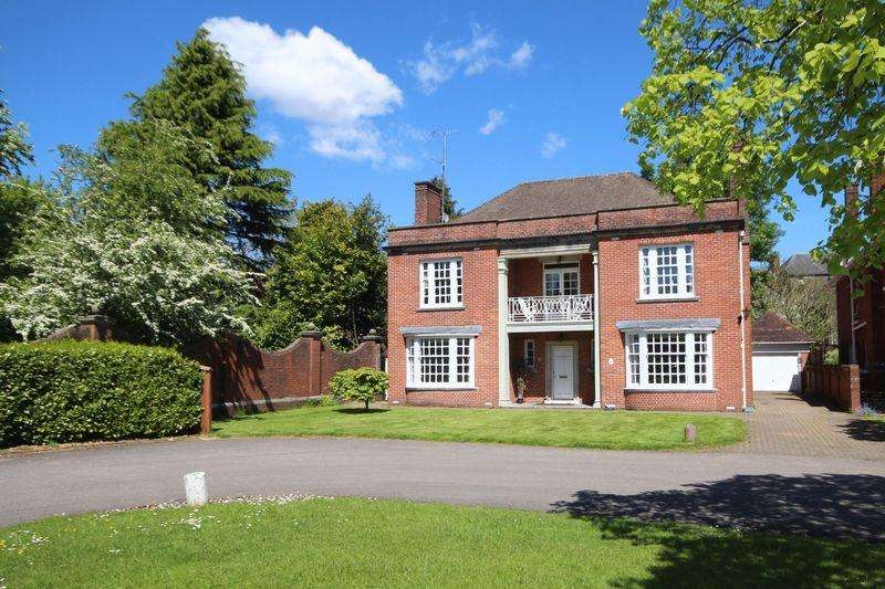 3 Bedrooms Detached House for sale in Queen Anne Square, Cathays Park, Central Cardiff