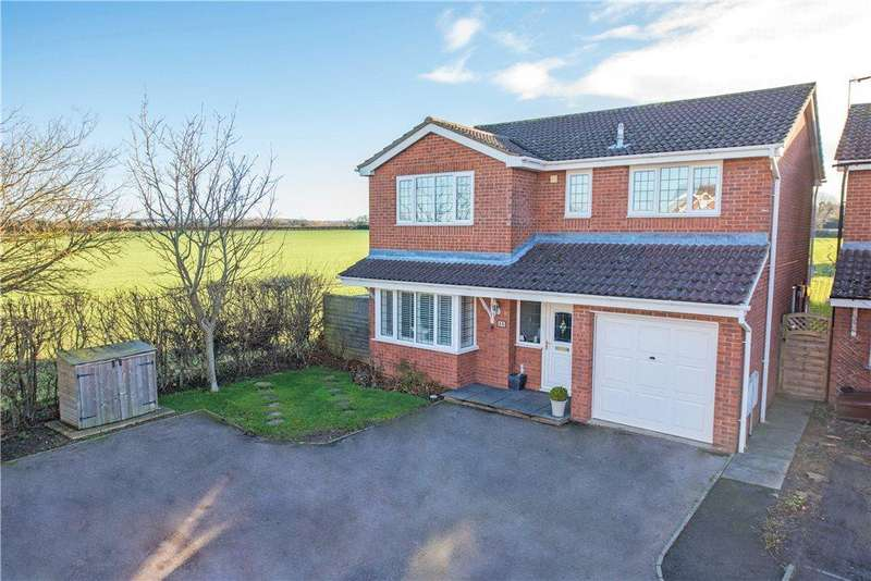 4 Bedrooms Detached House for sale in Dean Way, Aston Clinton, Aylesbury, Buckinghamshire