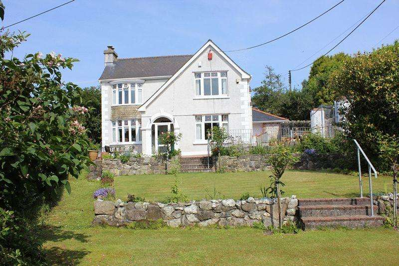 3 Bedrooms Detached House for sale in North Hill Park, St. Austell
