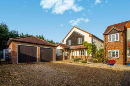4 Bedrooms Detached House for sale in Broom Road, Stanford, Biggleswade, Bedfordshire