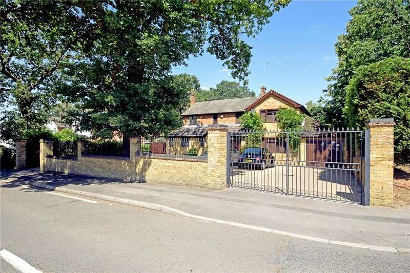 4 Bedrooms Detached House for sale in Hatch Ride, Crowthorne, Berkshire, RG45