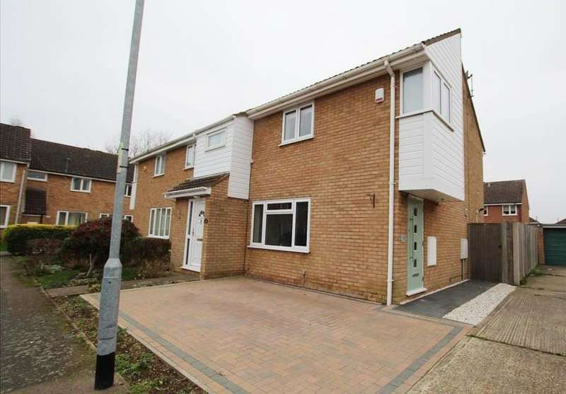 3 Bedrooms End Of Terrace House for sale in Harrier Close, Biggleswade, SG18