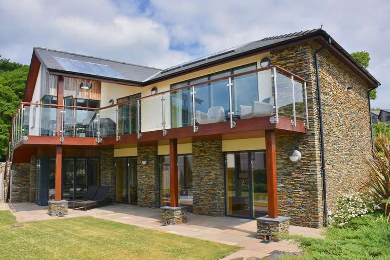 5 Bedrooms Detached House for sale in 4, Swn y Dail, Barmouth, LL42 1DT