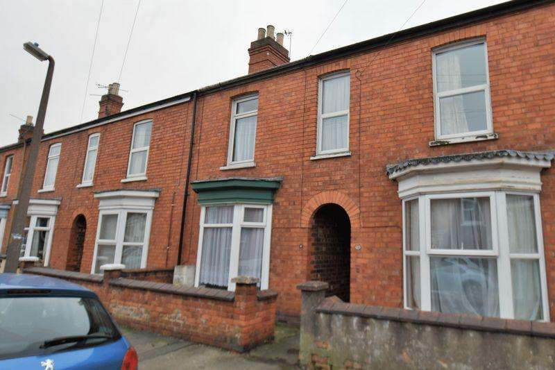 3 Bedrooms Terraced House for sale in Wake Street, Uphill, Lincoln