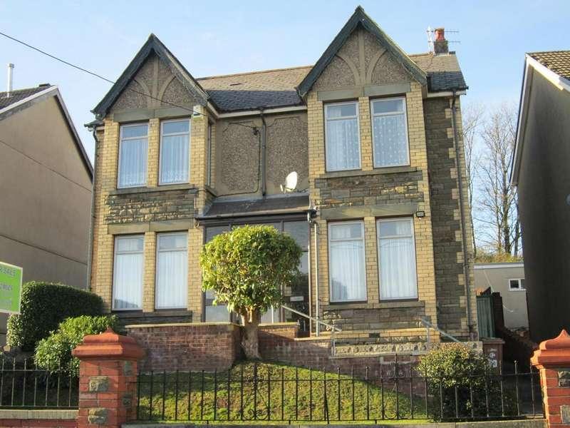 4 Bedrooms Detached House for sale in Hillside Park, Bargoed CF81