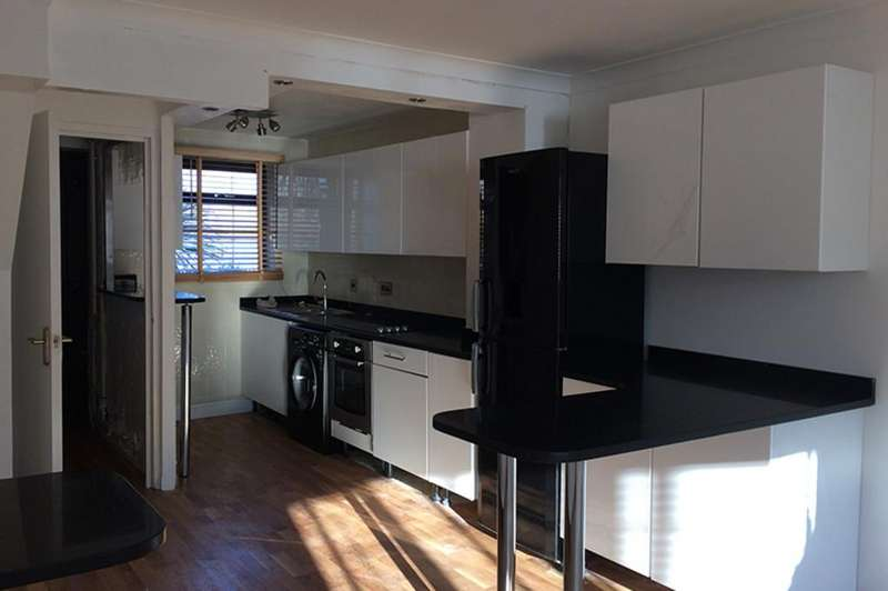 3 Bedrooms Terraced House for sale in Gadwall Way London