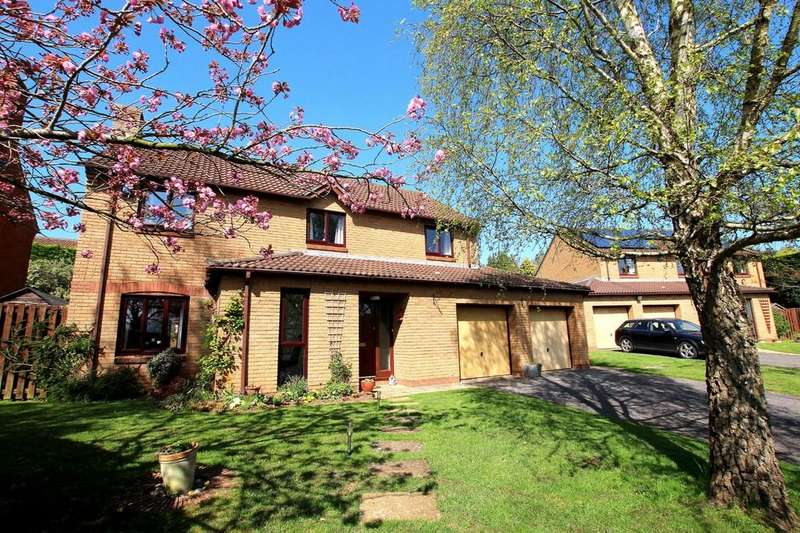 4 Bedrooms Detached House for sale in Detached executive house in quiet location
