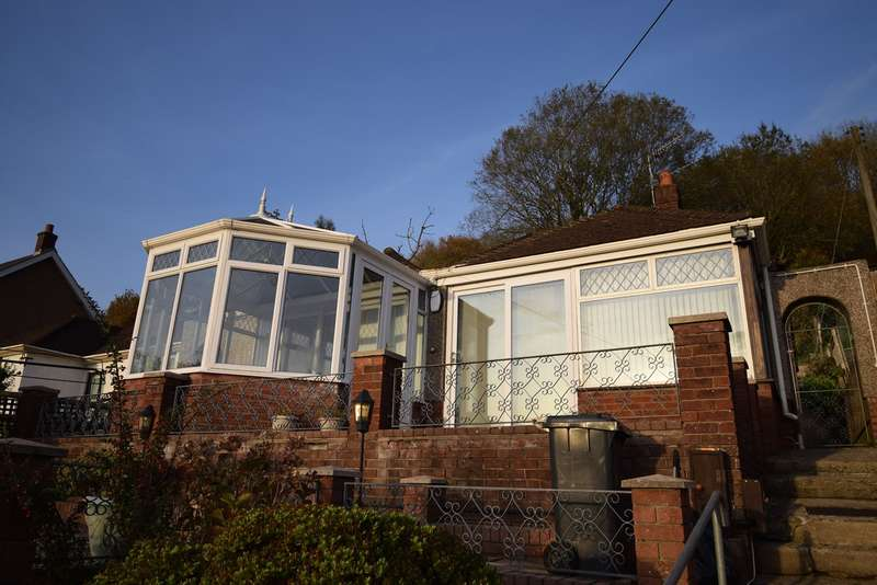 2 Bedrooms Detached Bungalow for sale in Leigh Road, Pontnewynydd, Pontypool, NP4