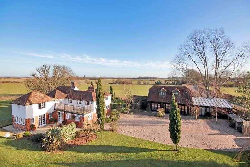 5 Bedrooms Detached House for sale in Shirkoak Cross, Woodchurch, Kent, TN26 3QP