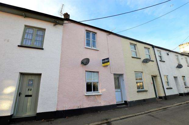 2 Bedrooms Terraced House for sale in Dean Street, Crediton, Devon